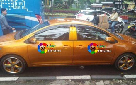 Buat Heboh Mobil Bermuka Dua