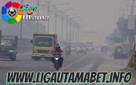 Asap Tebal Kebakaran Hutan di Riau