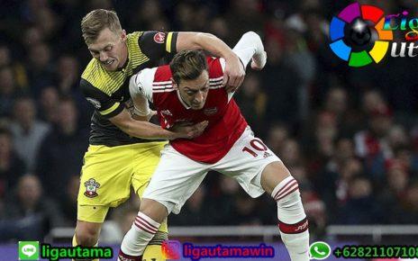 Arsenal Ganti Taktik dalam Satu Pertandingan, Unai Emery Mau Apa?
