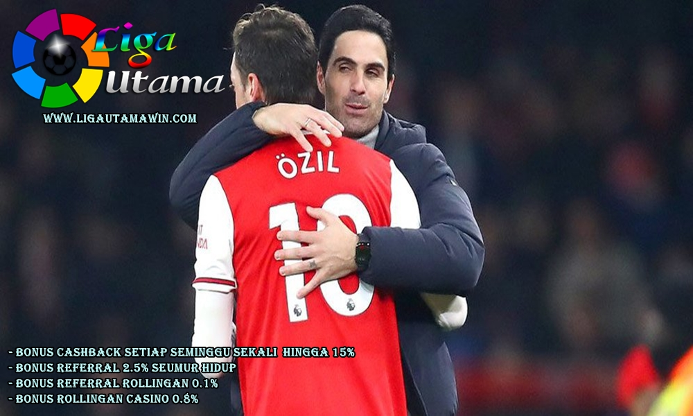 Mesut Ozil Tegaskan Ogah Pindah dari Arsenal
