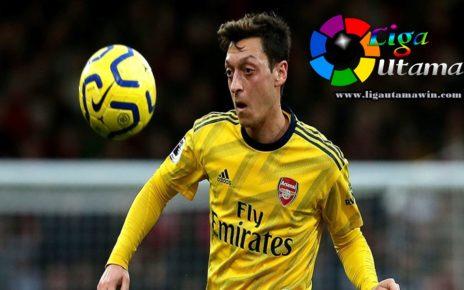 Arsenal Blokir Transfer Mesut Ozil di Deadline Day
